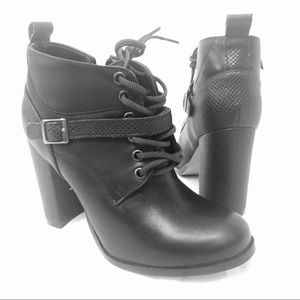NWOT Band of Gypsy Andrea Heeled Boots